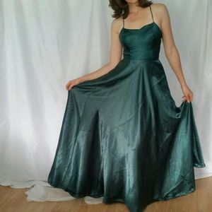 *Forest Green Lace Up Gown*